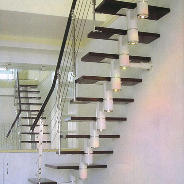 为您介绍钢木楼梯的安装步骤