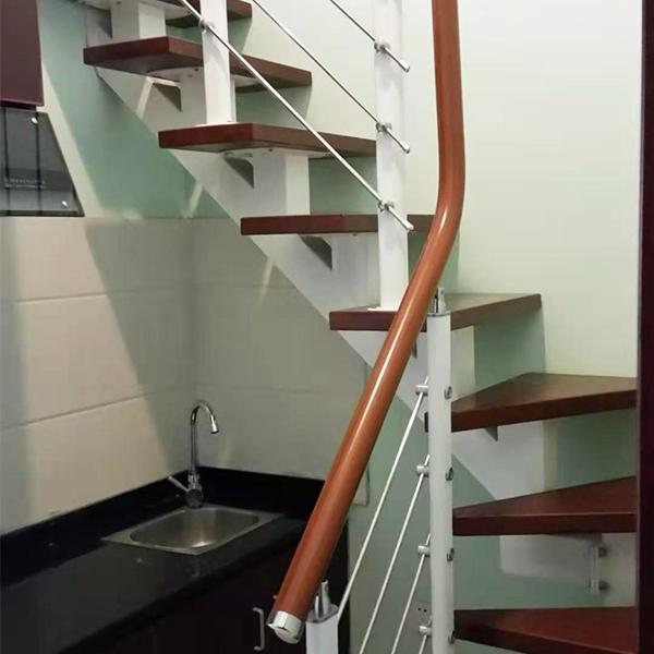 家用斜梁钢木楼梯