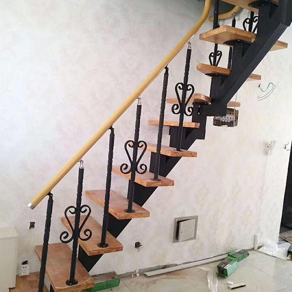室内斜梁梯