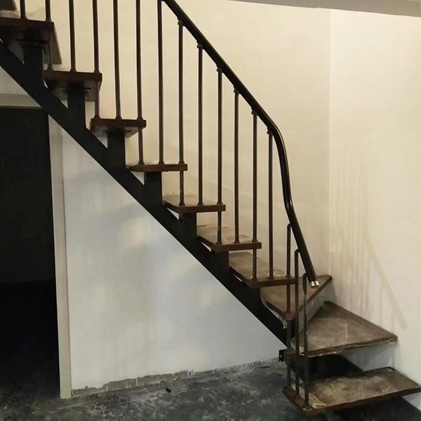 别墅斜梁楼梯