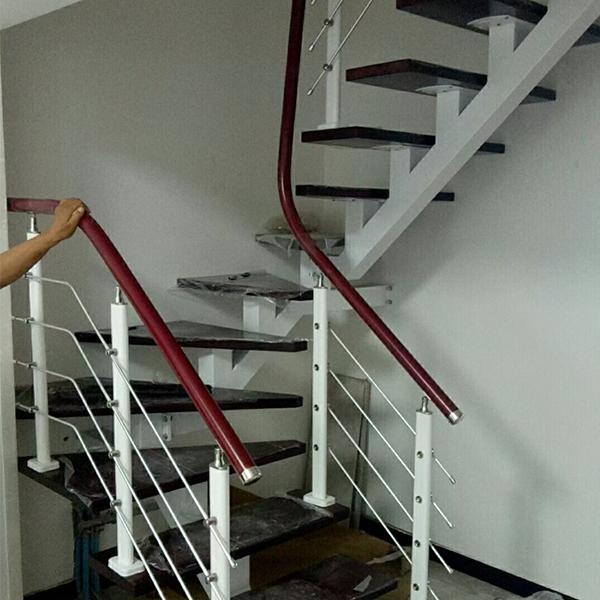 家用斜梁楼梯