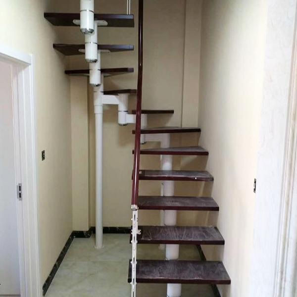 简约脊索楼梯
