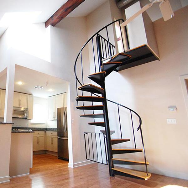 大家知道小型旋转楼梯的承重量是多少吗?