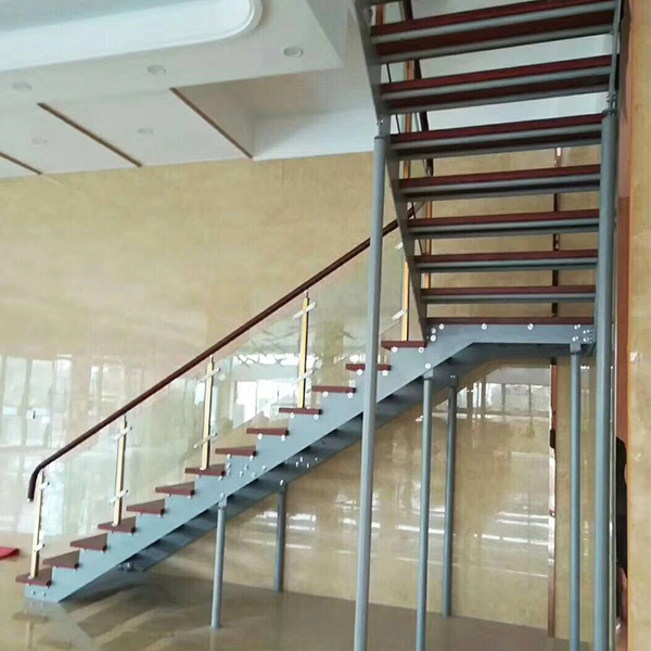 如何确定钢木楼梯的坡度?