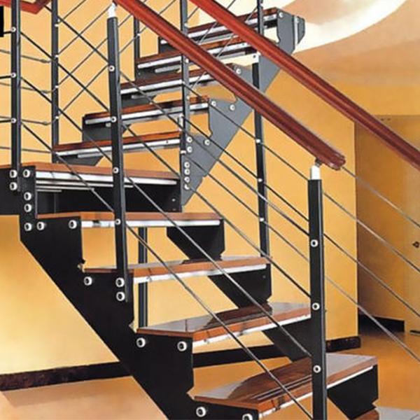 钢木楼梯踏步高度一般设计成多高?